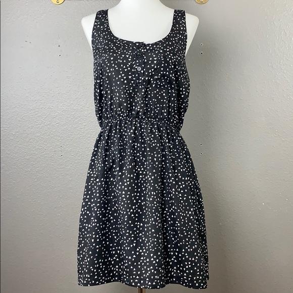 Forever 21 Dresses & Skirts - Forever 21 razorback geometric print dress